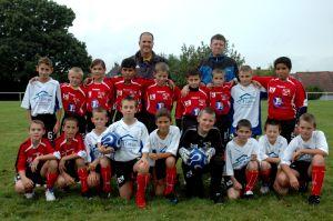 Les deux équipes du FC du Lac.