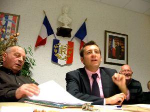Michel Mourand, maire et Alain Chrétien.
