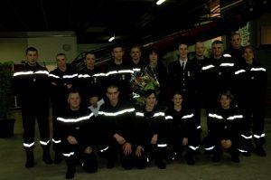 Christiane Mathenet (6e en partant de la gauche, debout) a été décoré lors de la cérémonie des voeux organisée à la caserne des pompiers de Vesoul.